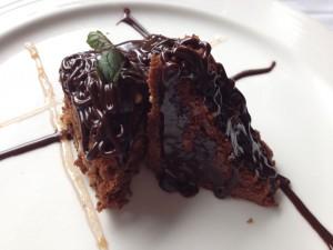 Brownie con Salsa de Chocolate y Brandy
