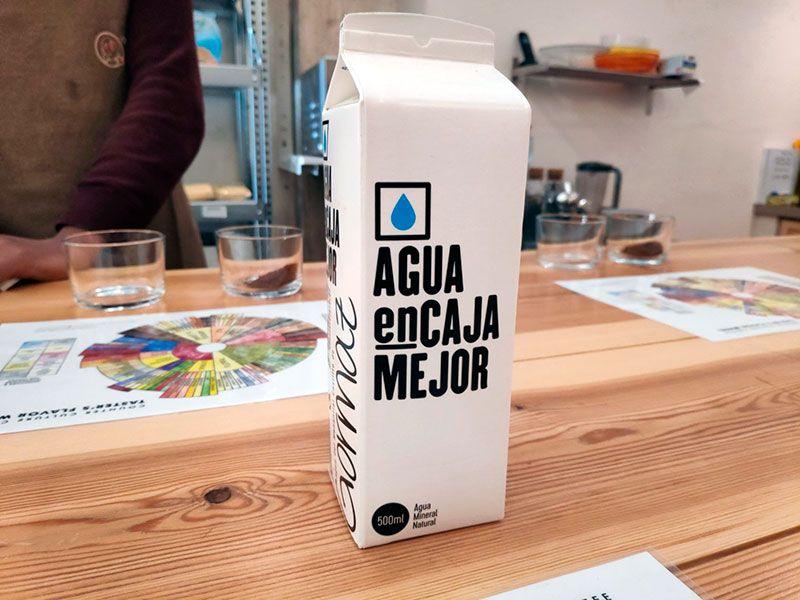 Agua en Caja - Café Doctor Luisito