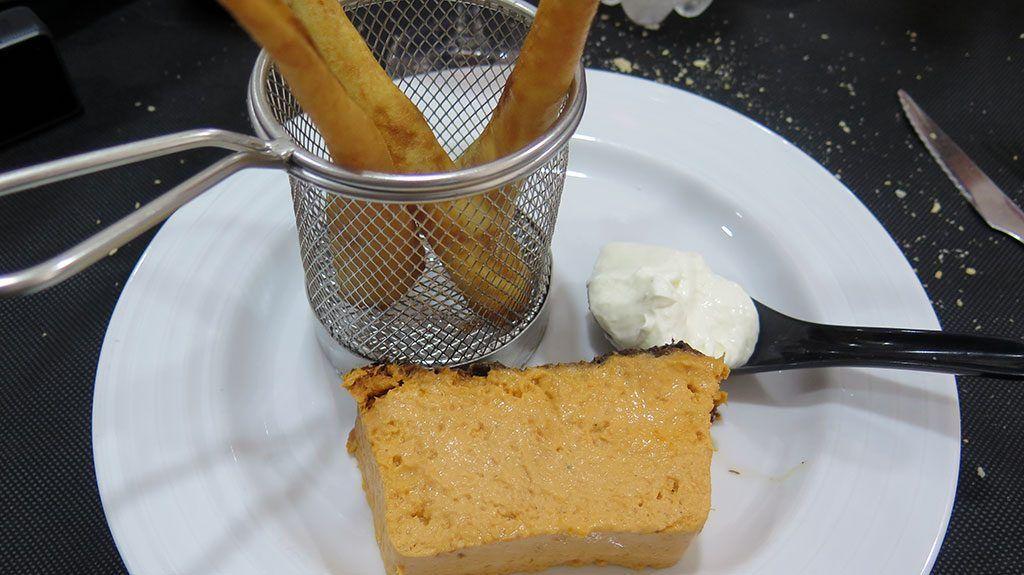 Pastel de Cabracho con Conos de Langostino - Mesón Dos Rios - Vargas.