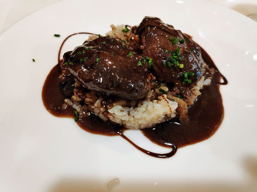 Carrilleras ibéricas con risotto de setas - Menú del Día - Hotel Santemar